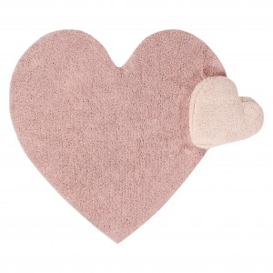 Pink rug with a heart motif